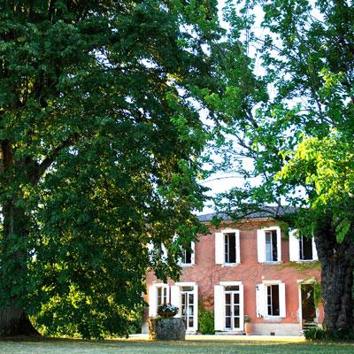 Chateau de HARTES - Vue du Jardin en été